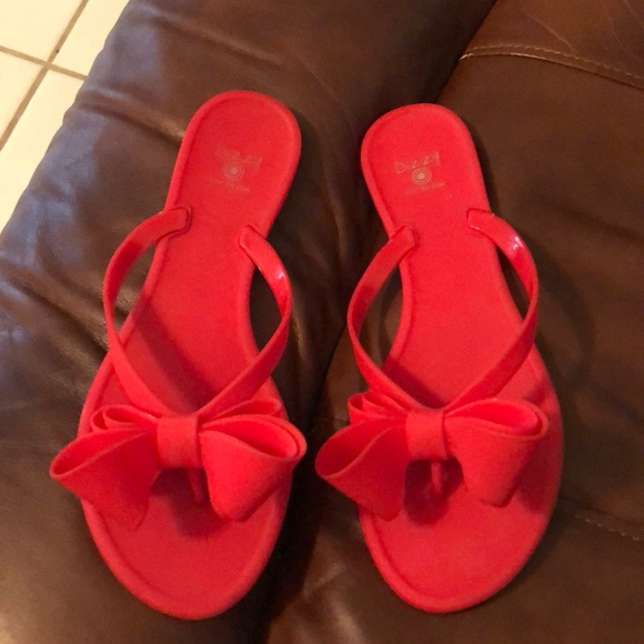 f80422c325e Dizzy Shoes - Matte red Bow sandals